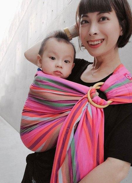 彩虹蠟筆育兒哺乳背巾